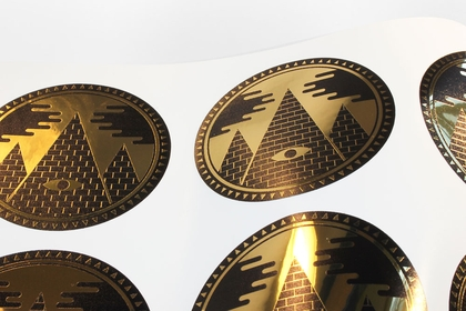Circular metallic gold stickers